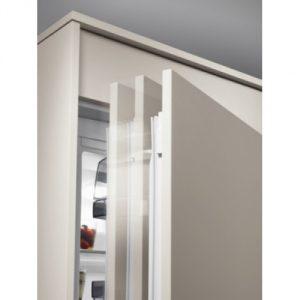 AEG-SCS-91800C0-detail- dverí