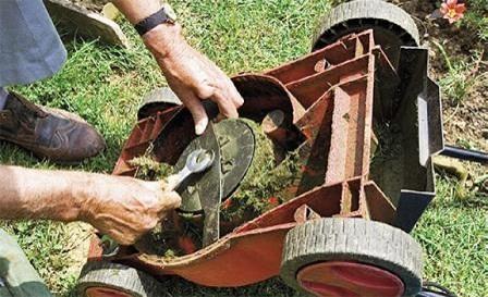 Údržba-kosačky-trávy
