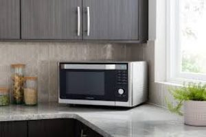 mikrovlnná-rúra-v-kuchyni