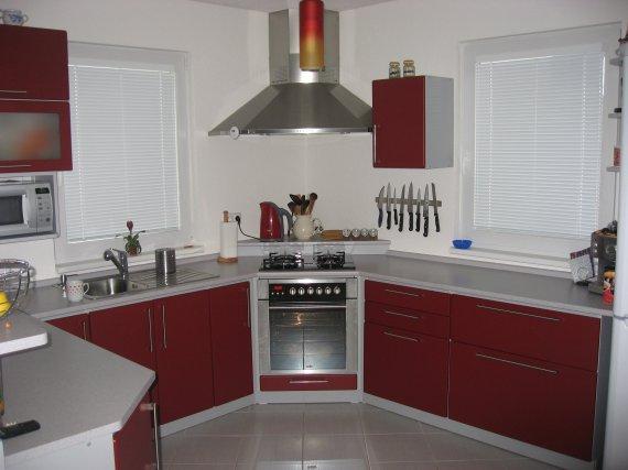 sporák -v - kuchyni