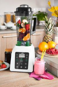 Smoothie-mixér-v-kuchyni