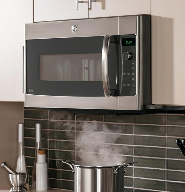Mikrovlnná-trouba-v-kuchyni