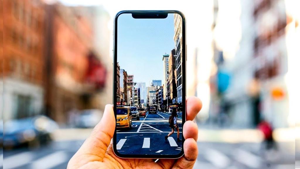 Smartphone do pozadí